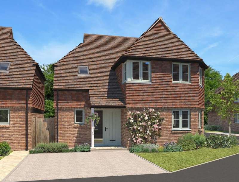 3 Bedrooms Detached House for sale in Frenchmans Heights, Borough Hill, Petersfield, GU32