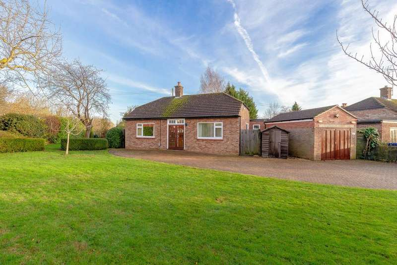 3 Bedrooms Detached Bungalow for sale in Pig Lane, St. Ives