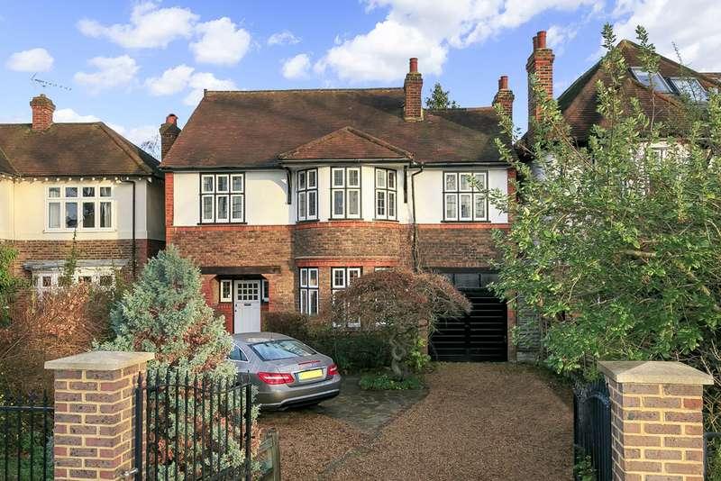 5 Bedrooms Detached House for sale in Wensleydale Road, Hampton TW12