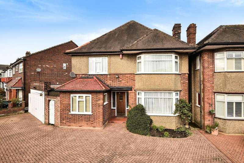 5 Bedrooms Detached House for sale in Bramley Road, Southgate