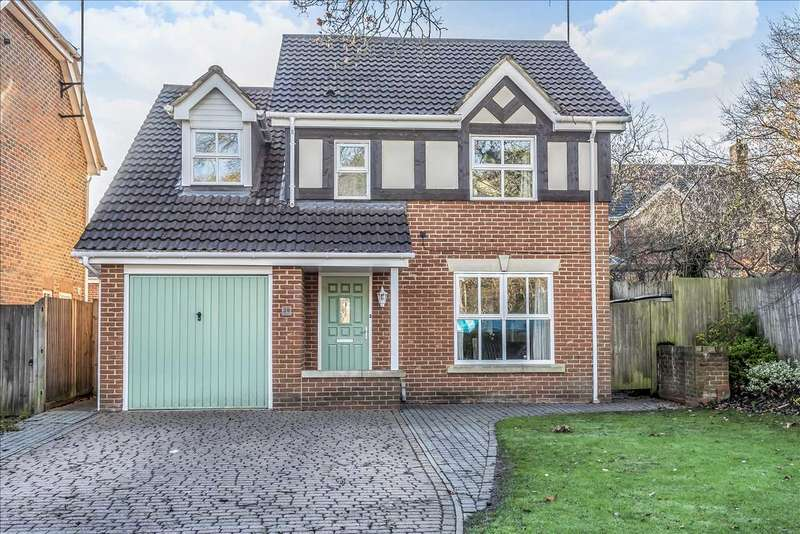 4 Bedrooms Detached House for sale in Royal Oak Drive, Crowthorne