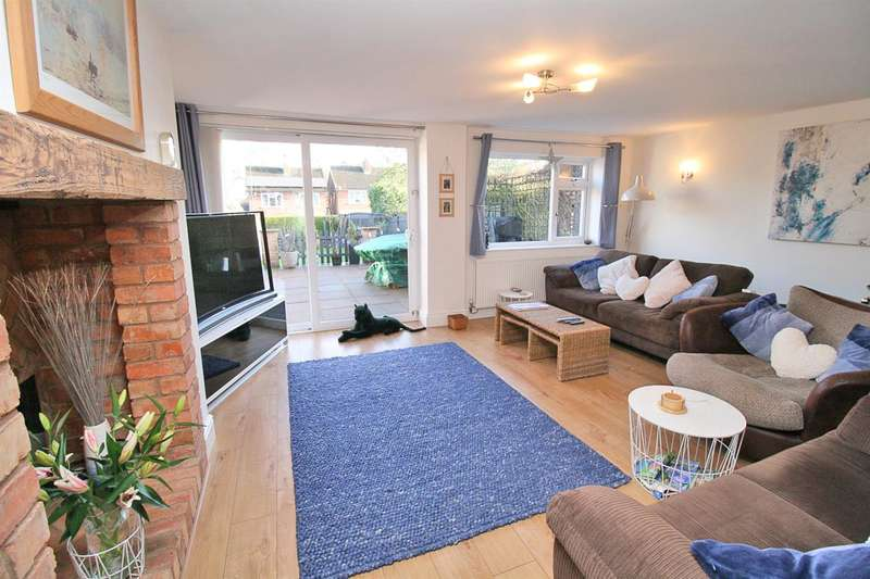 4 Bedrooms Detached House for sale in Cliffe Road, Leicester