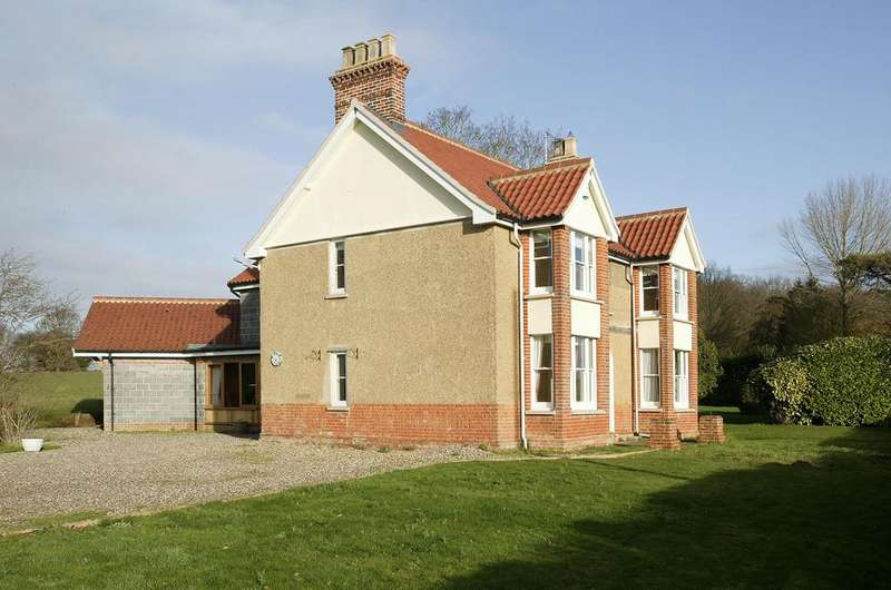 4 Bedrooms Detached House for sale in Overcross, Banham