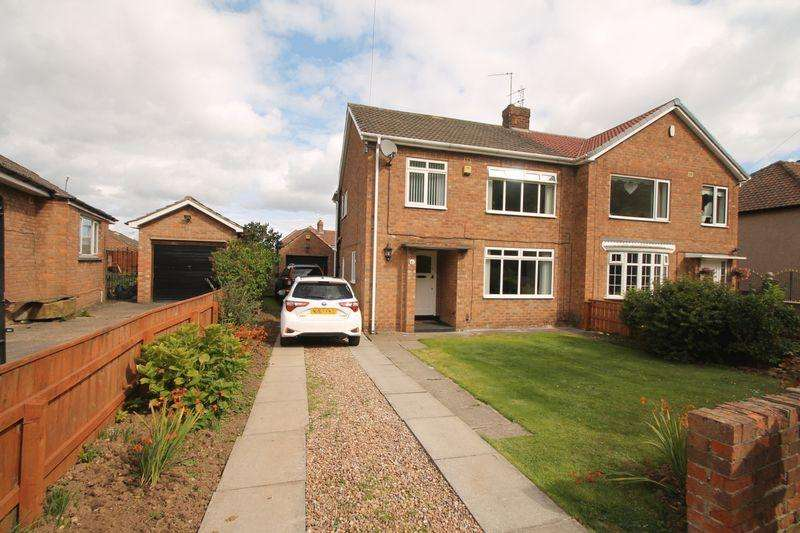 3 Bedrooms Semi Detached House for sale in The Crescent, Ormesby