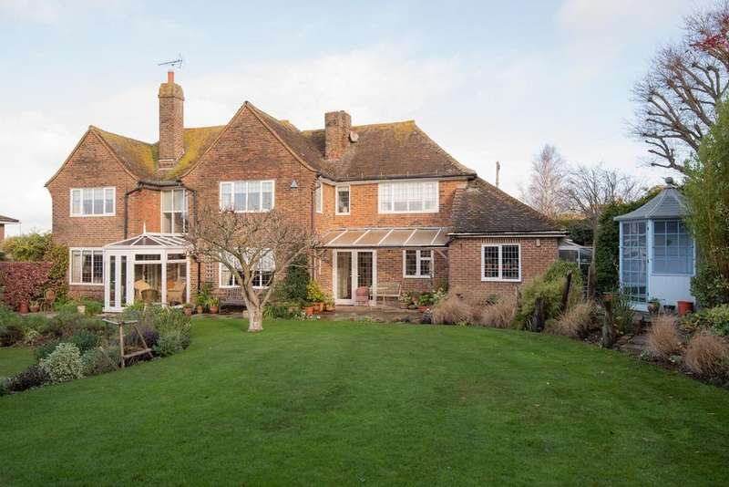 5 Bedrooms Detached House for sale in Maple Avenue, Bexhill-on-Sea, TN39