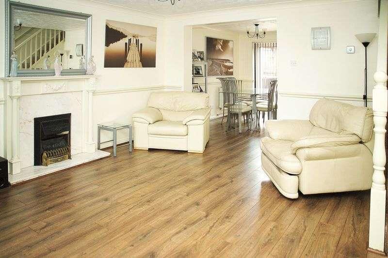 4 Bedrooms Property for sale in Haysbrook Close, Ashton-Under-Lyne