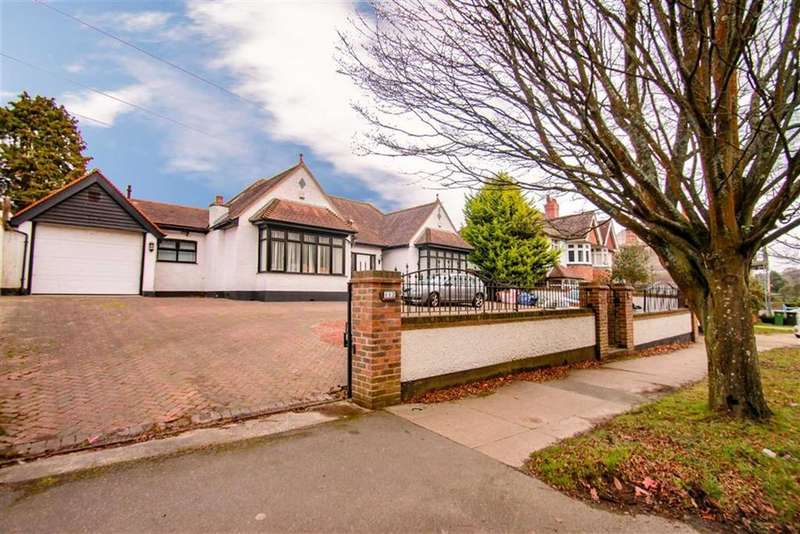 4 Bedrooms Detached Bungalow for sale in St Helens Road, Hastings, East Sussex