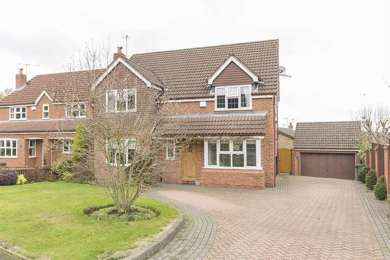 4 Bedrooms Detached House for sale in Foxcote Way, Walton, Chesterfield