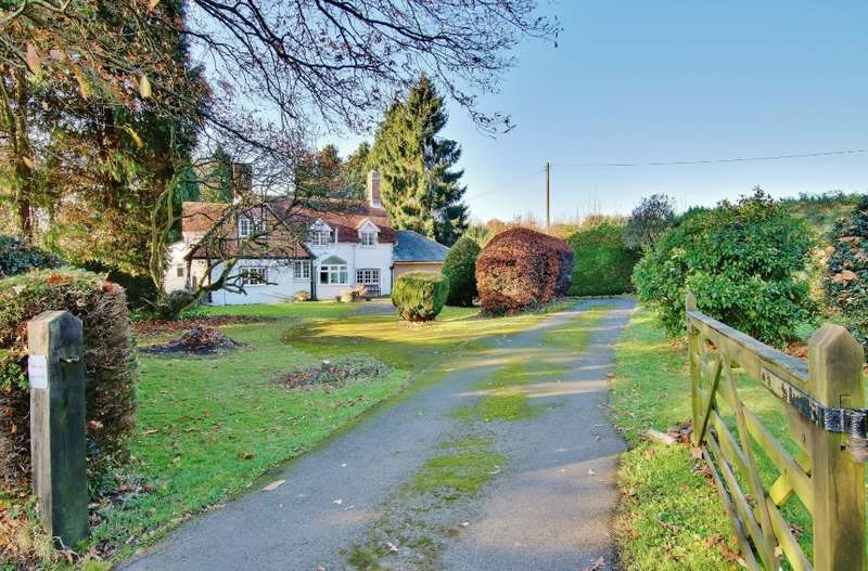 3 Bedrooms Detached House for sale in Ryedown Farm House, Ryedown Lane, Romsey, Hampshire