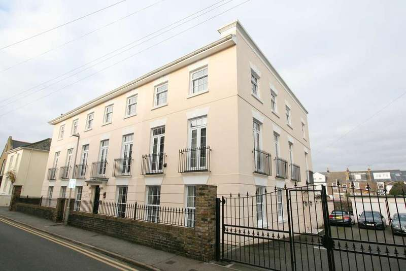 4 Bedrooms Town House for sale in Union Road, Deal