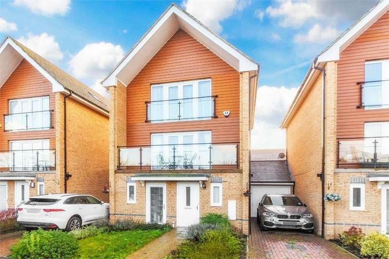 4 Bedrooms Town House for sale in Edgeworth Close, Langley, Berkshire