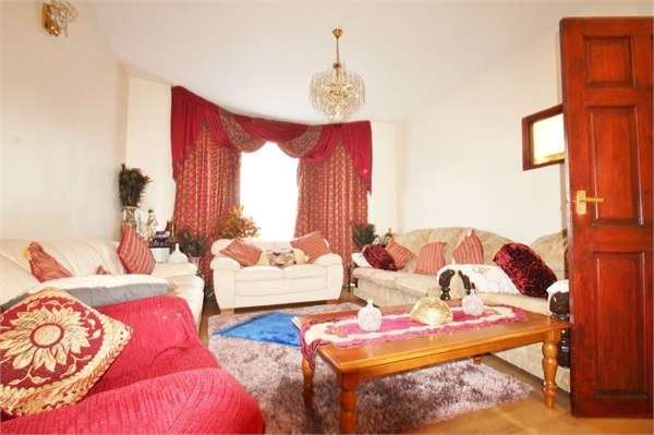 5 Bedrooms Terraced House for sale in Canterbury Road, Leyton E10