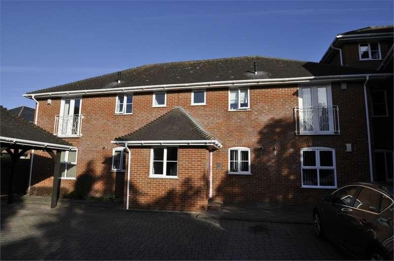 2 Bedrooms Flat for sale in Elizabeth Court, Ringwood