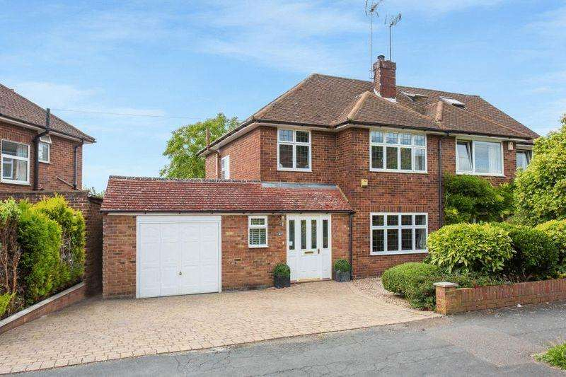 3 Bedrooms Semi Detached House for sale in Carver Hill Road, High Wycombe