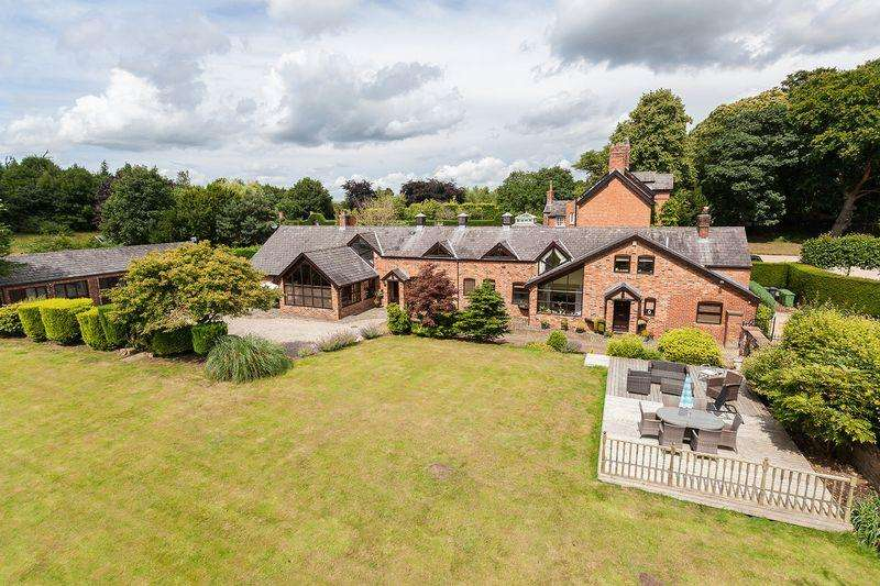 6 Bedrooms Country House Character Property for sale in Large 6 bed house with 3 bed cottage and 11 acres - Tarporley Road, Oakmere