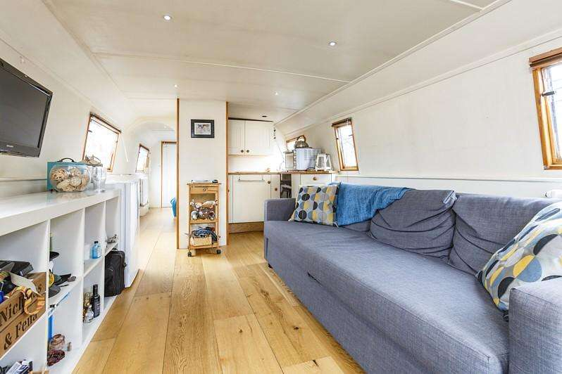 1 Bedroom House Boat Character Property for sale in Poplar Dock Marina, Docklands E14