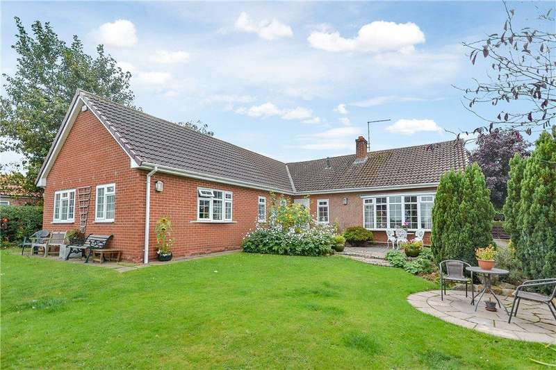4 Bedrooms Detached Bungalow for sale in Back Lane, Great Broughton, Middlesbrough
