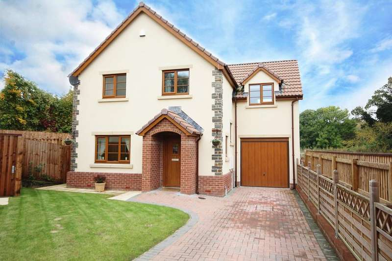 4 Bedrooms Detached House for sale in A popular development in Clutton.