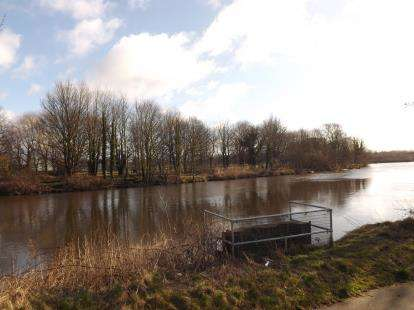 2 Bedrooms Flat for sale in Riverside Close, Warrington, Cheshire