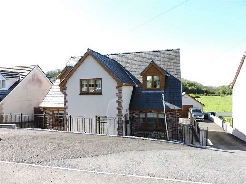 4 Bedrooms Detached House for sale in Crwbin,Kidwelly