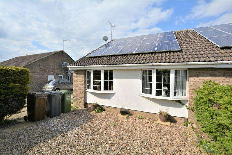 2 Bedrooms Bungalow for sale in Harwich Close, Lincoln