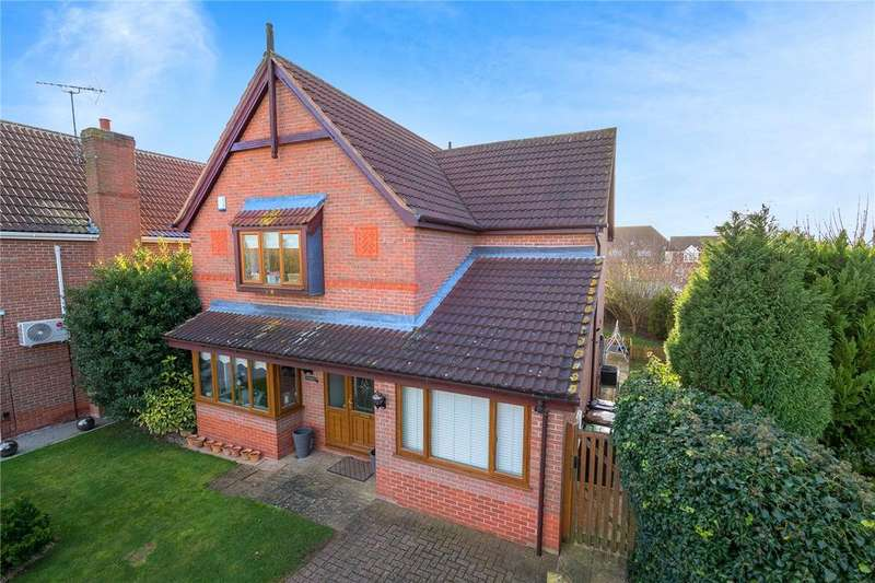 3 Bedrooms Detached House for sale in Quantock Court, Sleaford, Lincolnshire, NG34