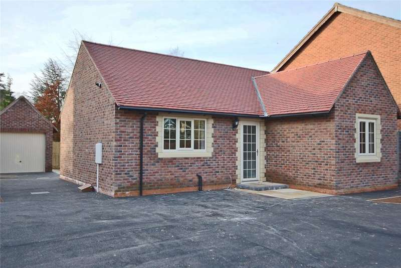2 Bedrooms Detached Bungalow for sale in Skellingthorpe Road, Lincoln, LN6