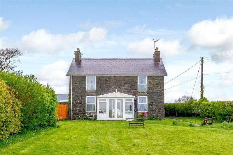 3 Bedrooms Farm Commercial for sale in LLwyn Hudol, Pwllheli, Gwynedd, LL53