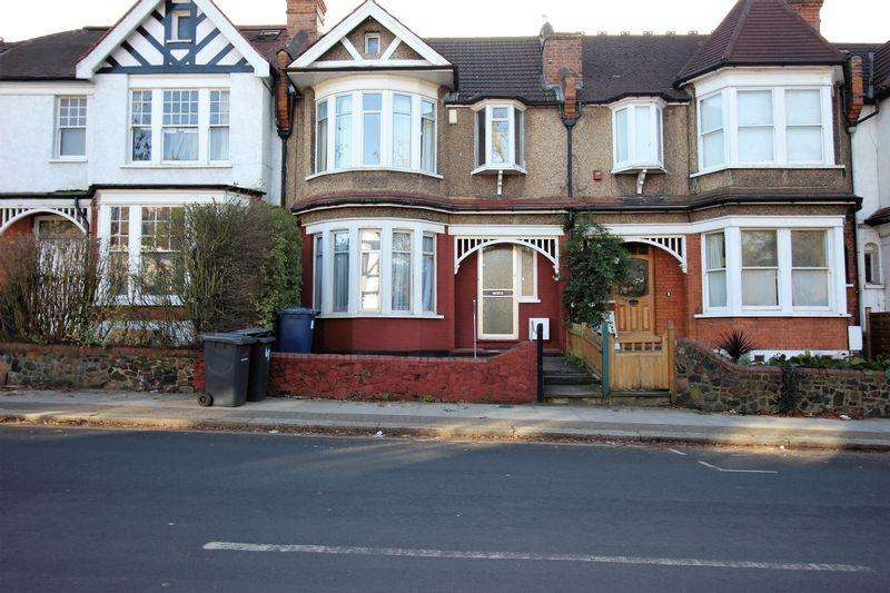 4 Bedrooms Terraced House for sale in Nether Street, Finchley, N12