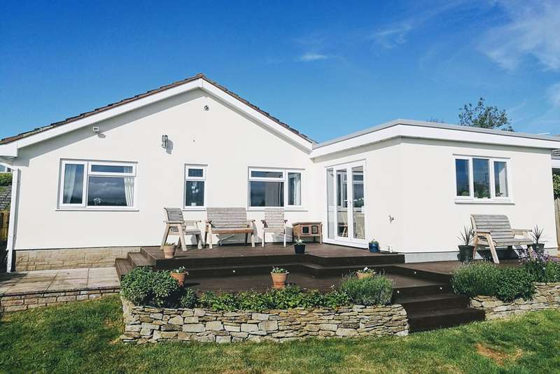 3 Bedrooms Bungalow for sale in West Bay