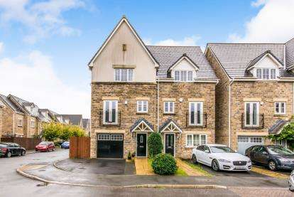 4 Bedrooms Semi Detached House for sale in Vale View, Mossley, Ashton Under Lyne, Greater Manchester