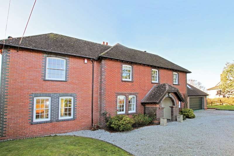 4 Bedrooms Detached House for sale in High Street, Chapmanslade, BA13