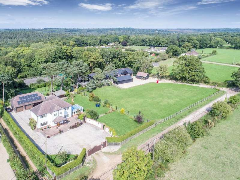 4 Bedrooms Detached House for sale in Brownhill Road, Wootton, New Milton, BH25