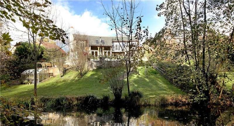 4 Bedrooms Detached House for sale in Haughurst Hill, Baughurst, Tadley, Hampshire, RG26