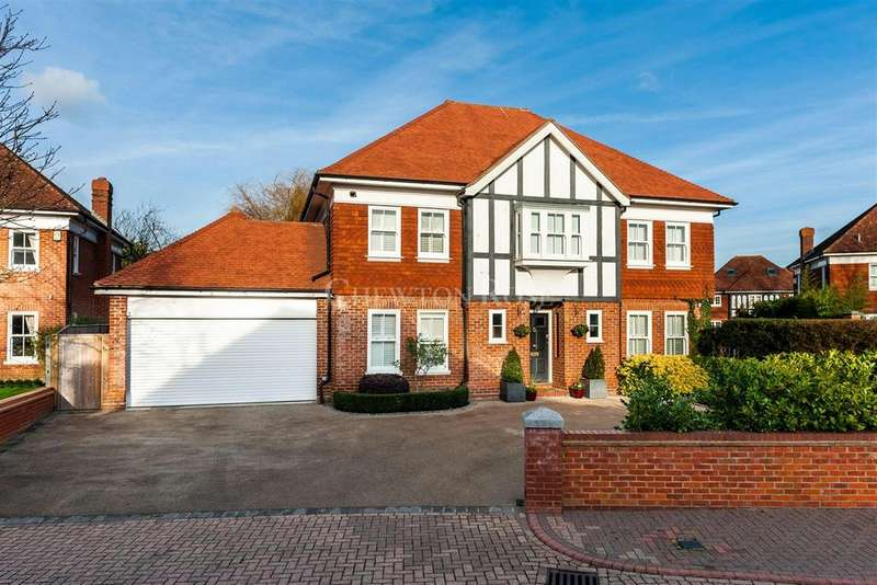 5 Bedrooms Detached House for sale in Queens Acre, Windsor