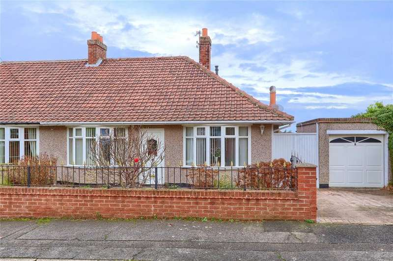 2 Bedrooms Semi Detached Bungalow for sale in Dew Lane, Ormesby