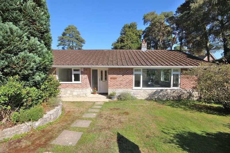 4 Bedrooms Detached Bungalow for sale in Widworthy Drive, Broadstone