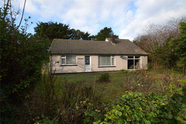 4 Bedrooms Detached Bungalow for sale in Upton Towans, Hayle, Cornwall