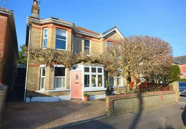 4 Bedrooms Detached House for sale in Woodend Road, Bournemouth, Dorset