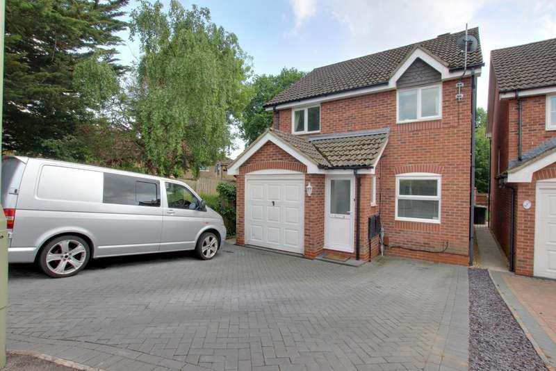 3 Bedrooms Detached House for sale in West Leigh, Havant