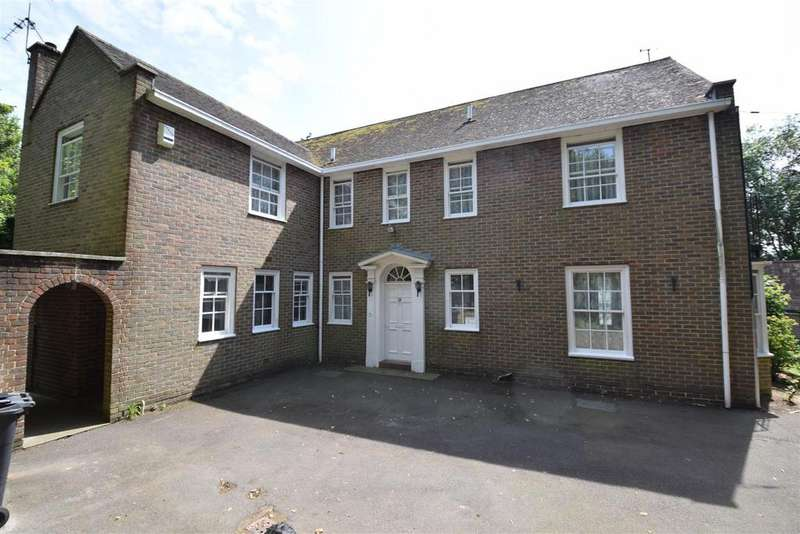 5 Bedrooms Detached House for sale in Upper Church Road, St. Leonards-On-Sea