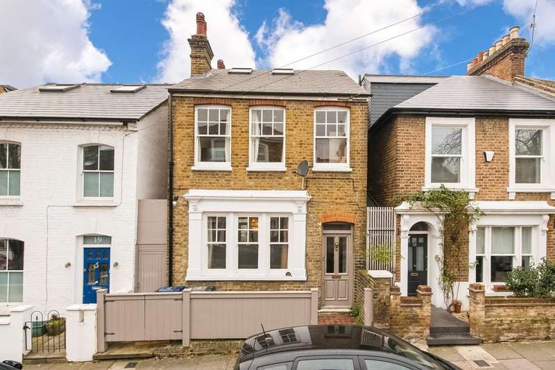 5 Bedrooms Detached House for sale in Cowper Road W3