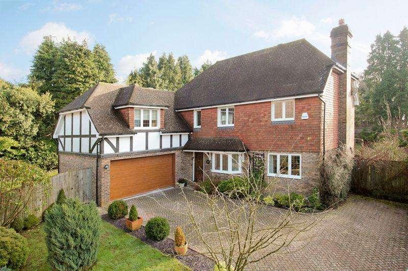 5 Bedrooms Detached House for sale in Langridge Close, Crowborough, East Sussex
