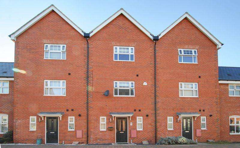 4 Bedrooms House for sale in Lenz Close, CO1