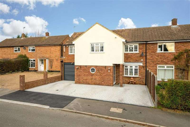 3 Bedrooms Semi Detached House for sale in Tallents Crescent, Harpenden, Hertfordshire