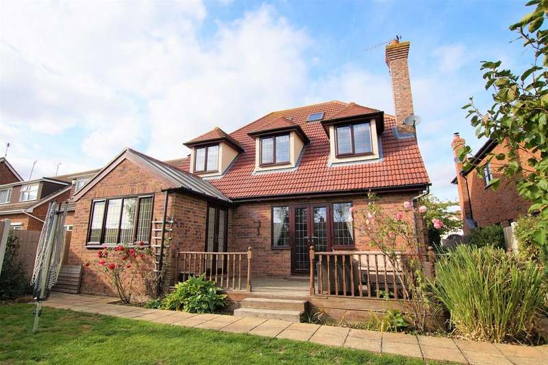 5 Bedrooms Detached House for sale in Bull Lane, Rayleigh, SS6