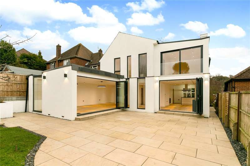 5 Bedrooms Detached House for sale in Hamilton Road, High Wycombe, Buckinghamshire, HP13