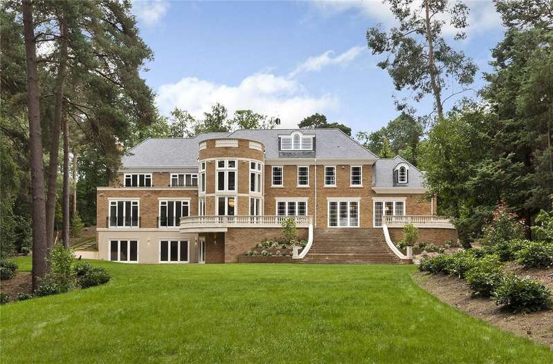 5 Bedrooms Detached House for sale in Camp End Road, St George's Hill, Weybridge, Surrey, KT13
