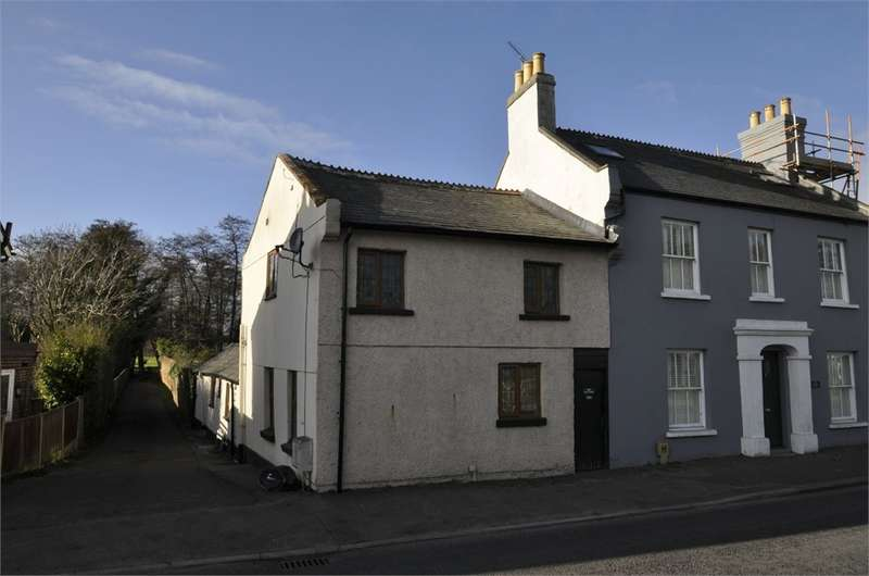 2 Bedrooms Semi Detached House for sale in Christchurch Road, Ringwood