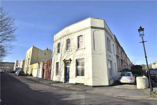 2 Bedrooms Flat for sale in Stanley Road, Redland, Bristol, BS6 6NW